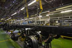 Nell'officina della fabbrica del camion Immagini Stock