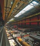 Nell'officina della fabbrica del tubo Immagini Stock Libere da Diritti