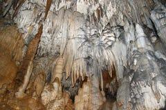 Nella caverna grande di Azysh. La Russia, Caucaso occidentale Fotografia Stock