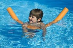 Nella piscina Immagini Stock