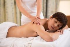 Nella stanza di massaggio immagine stock