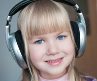 nelli ¡Cara, auriculares! fotografía de archivo