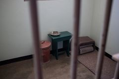 Nelson Mandela Prison Cell imagenes de archivo