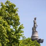 Nelson Statue sur la colonne de Nelsons à Londres Image stock