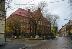 Neman, región de Kaliningrado, la casa en la orilla del río Fotografía de archivo libre de regalías