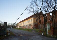 Neman, región de Kaliningrado, la casa en la orilla del río Fotografía de archivo