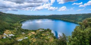 Nemi湖,罗马省,拉齐奥,意大利 免版税图库摄影