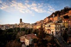 Nemi, beau village sur le lac dans la province de Rome, Latium, Italie image stock