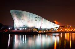 Nemo Museum bij nacht in Amsterdam Stock Foto