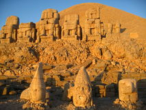 Nemrut Dagı Milli Parki, Mount Nemrut with ancient statues heads og the king anf Gods Stock Image
