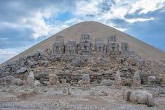 Nemrut Dagi, Анатолия, верхняя часть Турции бог Аполлон стоковые фотографии rf