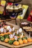 Nenhum coza a cenoura, o rabanete e a salsa usados bolas do bolo do vegetariano fotos de stock royalty free