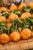 Nenhum coza a cenoura, o rabanete e a salsa usados bolas do bolo do vegetariano imagem de stock royalty free
