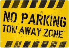 Nenhum estacionamento, reboca a zona ausente Imagens de Stock Royalty Free