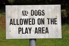Nenhuns cães permitidos o sinal Fotos de Stock Royalty Free