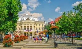 Neo-renässans byggnad av den slovakiska nationella teatern och Hviezdos Arkivbild