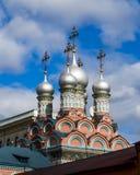 Neocaesaria圣格雷戈里教会的片段在Derbitsa,莫斯科 在天空的圆顶 图库摄影