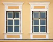neoclassic fönster royaltyfri bild