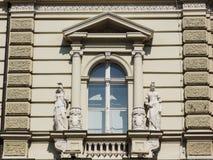 Neoclassical stilfönster royaltyfri fotografi
