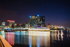 Neon del osvitchene della città di notte Immagini Stock Libere da Diritti
