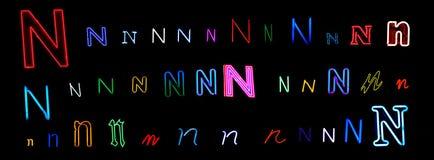 neon för samlingsbokstav n Royaltyfria Foton