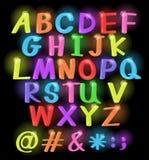 Neon farbige Buchstaben Stockfoto