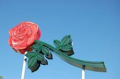 Neon Rose Sign i Portland, Oregon arkivfoto