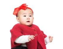 Neonata adorabile con l'accessorio dei capelli fotografie stock