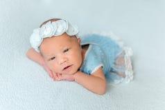 Neonata appena nata sveglia Fotografia Stock Libera da Diritti
