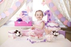 Neonata che celebra primo compleanno Immagine Stock