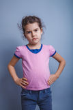 Neonata dell'aspetto europeo 6 anni di mani sopra Fotografie Stock Libere da Diritti