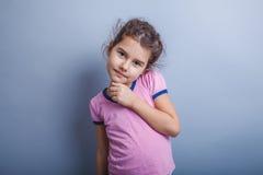 Neonata dell'aspetto europeo 6 anni di mano Fotografie Stock Libere da Diritti
