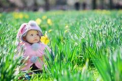 Neonata dolce in parco Fotografie Stock