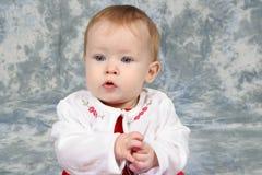 Neonata in vestito 2 da natale fotografia stock libera da diritti