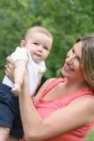 Neonato con la mamma Fotografia Stock