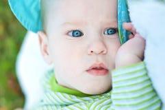 Neonato esterno fotografia stock libera da diritti