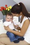 Neonato felice con la madre Fotografia Stock