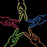 Neonhänder i fredtecken Fotografering för Bildbyråer