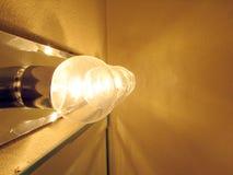 Neonleuchte im Badezimmer Stockfotos