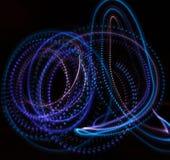 Neonleuchten in der Dunkelheit Stockfoto