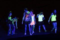 Neonlicht bespatte feestneuzen van de Gloedlooppas Port Elizabeth in Zuid-Afrika Stock Fotografie