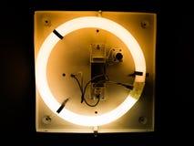 Neonlichteffekte auf runden Placeholder stockbild