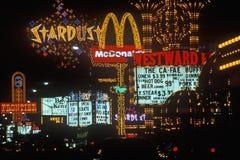 Neonlichter nachts, Las Vegas, Nanovolt lizenzfreie stockfotos