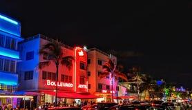 Neonmiami beach-Hotels lizenzfreies stockbild