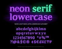 Neonowej tubki abecadła typeface Neonowy koloru światła serif pisze list, liczby, specjalni symbole, charaktery i waluta znak, Ba royalty ilustracja