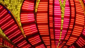 Neonowi rozblaskowi światła Las Vegas kasyno