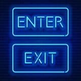 Neonowi znaki Wchodzić do i Wychodzą Zdjęcia Stock
