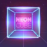 Neonowy 80s projektujący sześcian na retro gra krajobrazie Wektorowy rozjarzony pudełko Fotografia Stock