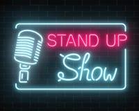 Neonowy stoi up przedstawienie znaka z retro mikrofonem na ściana z cegieł tle Komedii batalistyczny rozjarzony signboard ilustracja wektor