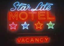 Neontecken, stjärnaLite motell i Catskillsen, NY arkivfoton